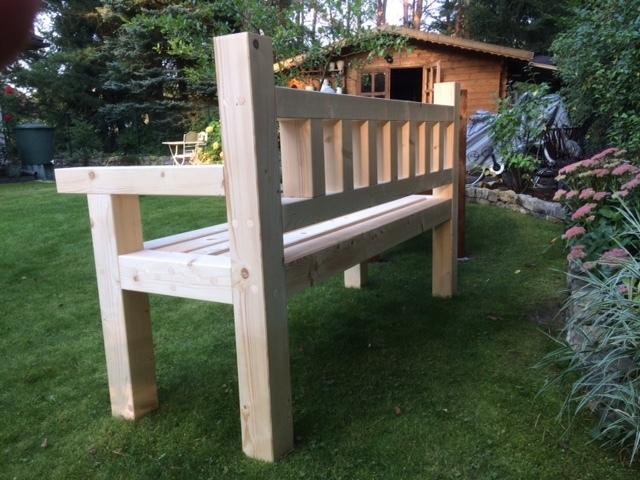 Gartenbank - Holz - massiv - Natur - Geschenkideen-Geschenkartikel